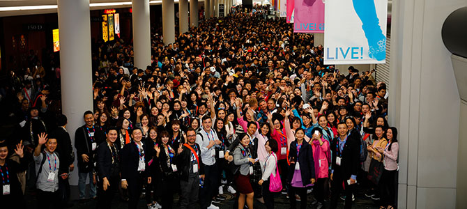Hundreds of Nu Skin sales leaders and customers pose for a picture at the Nu Skin LIVE! Global Convention